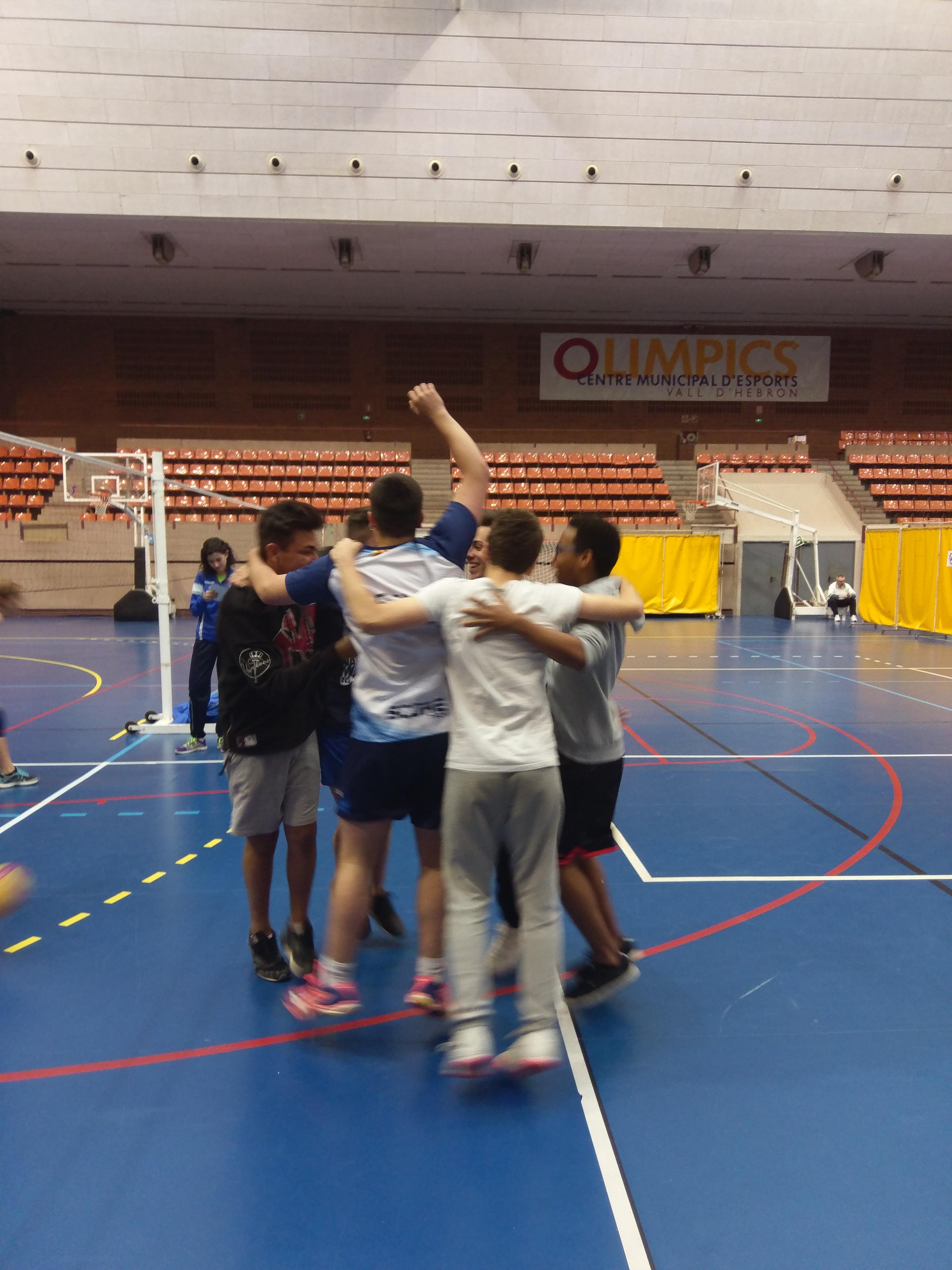 Voleibol entre instituts, els equips de 4t d'ESO Finalistes!!!